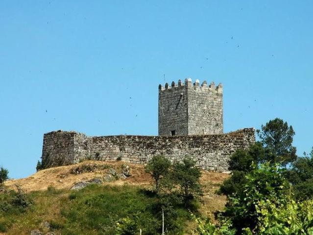 Arnoia Castle